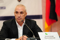 Президент группы DCH о Евро-2012, финансах и приоритетах